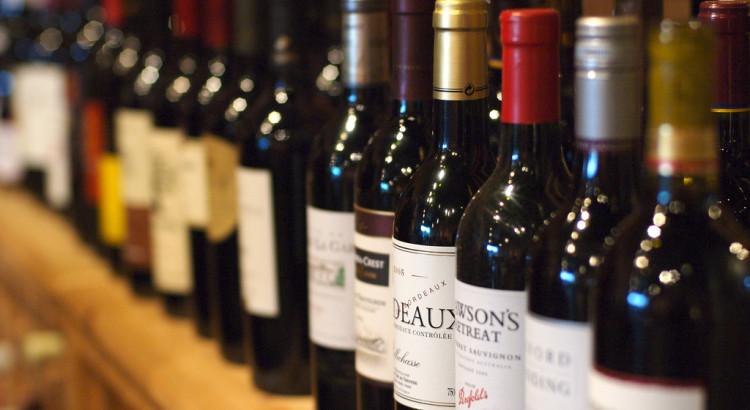 Vinprovning i bygdegården